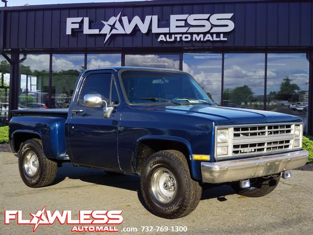 Pre-Owned 1987 Chevrolet R/V 10 Series CLASSIC