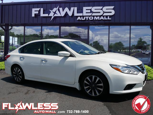 Pre-Owned 2017 Nissan Altima