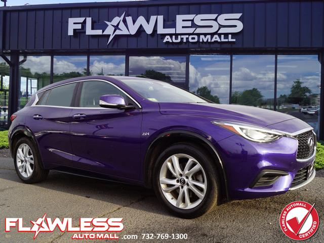 Pre-Owned 2018 INFINITI QX30 Luxe