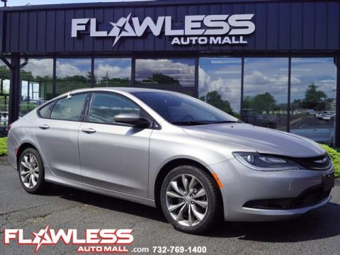 Pre-Owned 2015 Chrysler 200 S V6